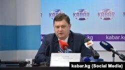 Егор Скобеев на одной из пресс-конференций правительства.