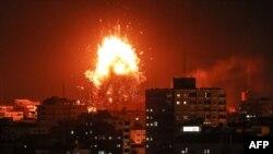 Обстрел объектов в секторе Газа израильской армией, 12 ноября 2018 года.