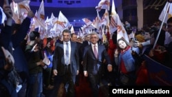 Президент Армении Серж Саргсян и премьер-министр Карен Карапетян, 31 марта 2017