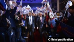 Armenia - President Serzh Sarkisian and Prime Minister Karen Karapetian arrive at an election campaign rally in Yerevan, 31Mar2017.