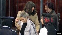 پرستارهای بلغاری، بعد از شنیدن صدور حکم اعدام در دادگاهی در لیبی