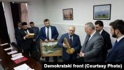Orhan Šahmanović prilikom posjete Čečeniji