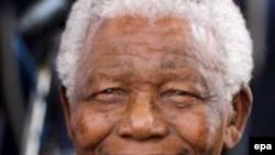 ماندلا از اغنيا خواست فقرا را در دارايی های خود سهيم کنند.(عکس:epa)