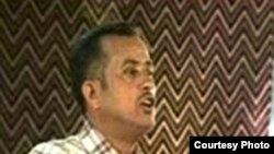 الشاعر الراحل محمد الغريب