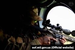 Військовослужбовець ССО під час навчань