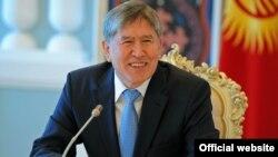 Алмазбек Атамбаев, президент Кыргызстана. Бишкек, 16 июля 2012 года.