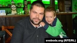 З сынам Віталя Броўкі Янам