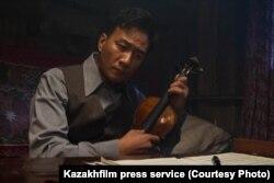 Китайский актер Ху Цзюнь, исполнивший роль китайского композитора Сянь Синхая.