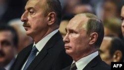Ильхам Алиев (слева) и Владимир Путин (архив)