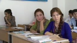 Turkmen banks are causing big problems for students abroad as they can't access their bank accounts. (illustrative photo)