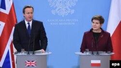 Британский премьер-министр Дэвид Кэмерон и премьер-министр Польши Беата Шидло. Варшава, 10 декабря 2015 года.