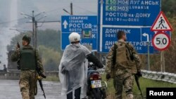La un punct de control în apropiere de Debalţeve, Ucraina, 9 septembrie 2014