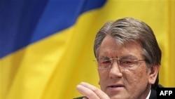 İyunun 30-da Ukrayna prezidenti Viktor Yuşşenko Bakıya işgüzar səfərə gəlib