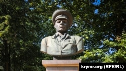 Памятник Василию Маргелову в Симферополе