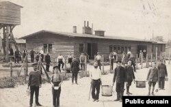 Prizonieri din diverse armate în lagărul Güstrow