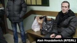 Васіль Парфянкоў пад часу суду над ім у Першамайскім раённым судзе Менска. 5 сьнежня 2013 года.