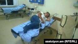 Член партии «Наследие» Овсеп Газарян в больнице, 14 августа 2015 г.