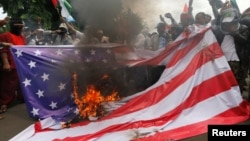 Протест у посольства США в Джакарте