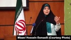 موضوع اختصاص ۳۰ درصد از پستهای مدیریتی به زنان از جمله وعدههای انتخاباتی حسن روحانی بوده و در ماه های اخیر، هیچ آمار کلی از انتصاب زنان به پست های مدیریتی منتشر نشده است