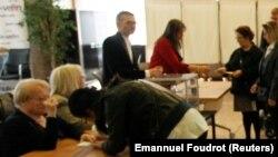 Pamje nga votimet në Francë