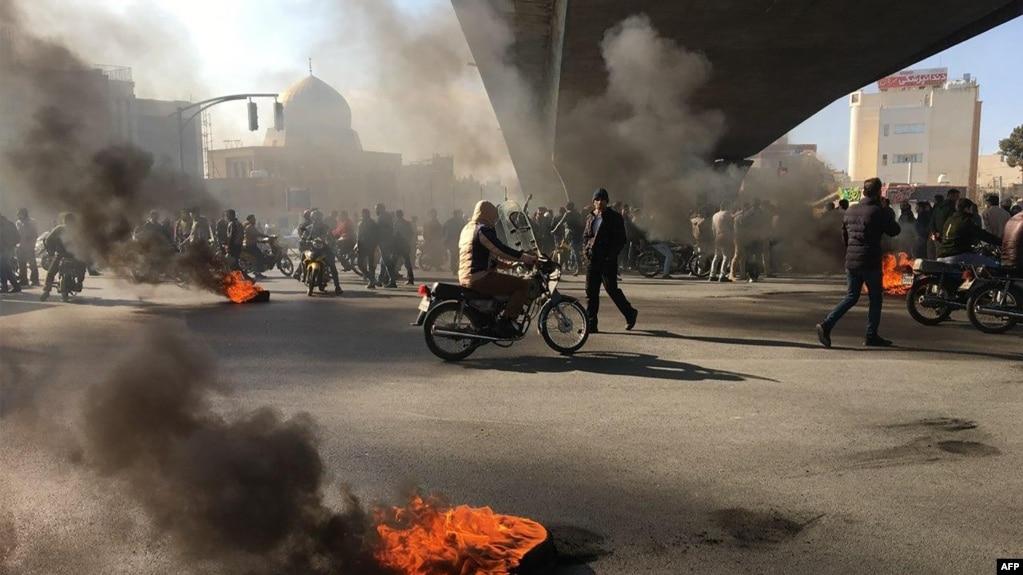 اعتراض به افزایش بهای بنزین روز شنبه در اصفهان