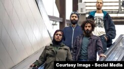 نوید محمدزاده و باران کوثری در فیلم «لانتوری»