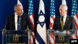 Авигдор Либерман и Джеймс Маттис, Тель-Авив, 21 апреля 2017 года