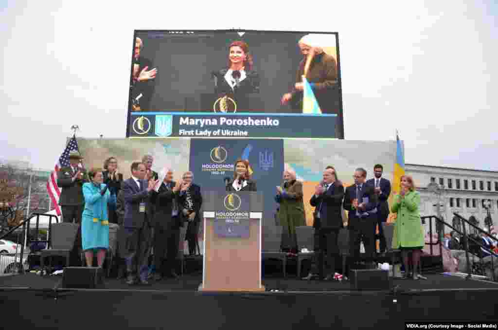 Дружина президента України Марина Порошенко особисто прибула на церемонію відкриття меморіалу, а сам голова української держави Петро Порошенко записав відеозвернення. Також на церемонії були присутні американські урядовці та представники дипломатичного корпусу