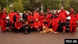 Планински спасители по време на тренировъчен курс за спасителни кучета и техните водачи през септември 2017 г.