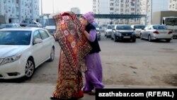 Традиционная прогулка новобрачной, Ашхабад