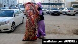 Традиционная прогулка новобрачной, Ашхабад.