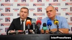 """ადვოკატი პაატა სალია (მარცხნივ) და """"ინტერნეშენალ ბილდინგ კომპანის"""" დირექტორი მალხაზ ოსაძე."""