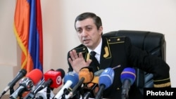 Armenia -- Mihran Poghosian, head of the Service for the Mandatory Execution of Judicial Acts (SMEJA), at a news conference in Yerevan, 26Jan2016