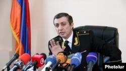 Армения әділет министрлігіне қарасты сот актілерін мәжбүрлеп орындату қызметінің бастығы Мигран Погосян. Ереван, 26 қаңтар 2016 жыл.