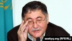 "Главный редактор газеты ""Жас Алаш"", Рысбек Сарсенбай."