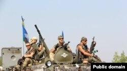 Українські бійці, учасники Антитерористичної операції на Донбасі, літо 2014 року