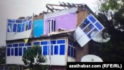Последствия шторма в Лебапском велаяте Туркменистана, 27 апреля, 2020