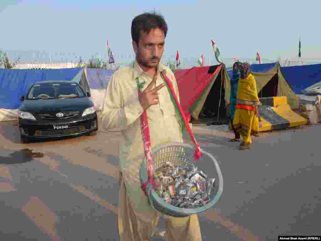 A vendor sells snuff tobacco.