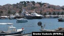 Sunce, more i priroda, dakle, i dalje ostaju glavni aduti hrvatskog turizma, ali dodatnih sadržaja ima sve više: Hvar