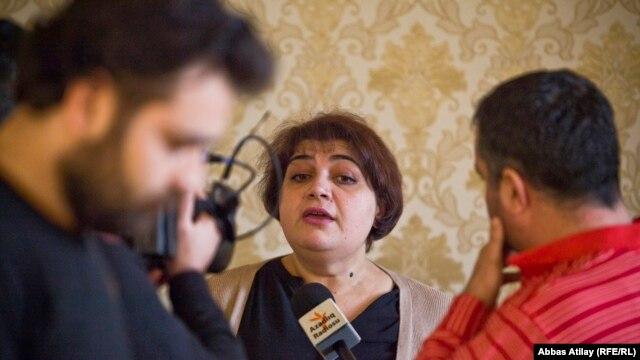 Azerbaijan -- Baku. RFE/RL Journalist Khadija Ismayilova talking to journalists In Baku, 18 February 2014