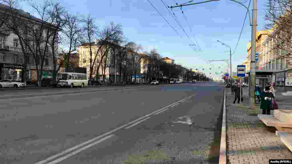 Уфа үзәгендәге Октябрь проспекты