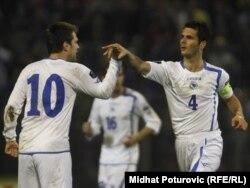 Zvjezdan Misimović (10) i Emir Sahić (4)