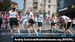 «Танці-антидот» проти торгівлі людьми у центрі Києва (фотогалерея)