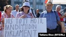 La protestele din septembrie 2015 la Chișinău