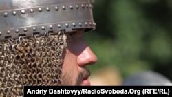 Учасник історичної реконструкції часів Київської Русі (фото архівне)