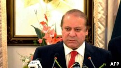 Pakistani Prime Minister Nawaz Sharif delivers a policy statement on Yemen in Islamabad on April 13.