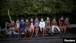 Дети на острове Марахо в бразильском штате Пара, 13 июня 2020 года.