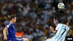 Edin Džeko i argentinski igrač Angel di Maria