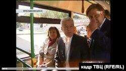 Подчиненные отчитываются перед Сергеем Собяниным прямо в автобусе