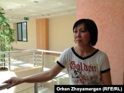Гүлсим Алпысбаева, чей ребенок лечится в Национальном центре материнства и детства. Астана, 24 июля 2013 года.